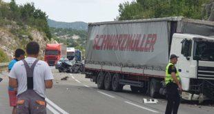 Fotografije sa lica mjesta, užasna nesreća na putu DG-NK